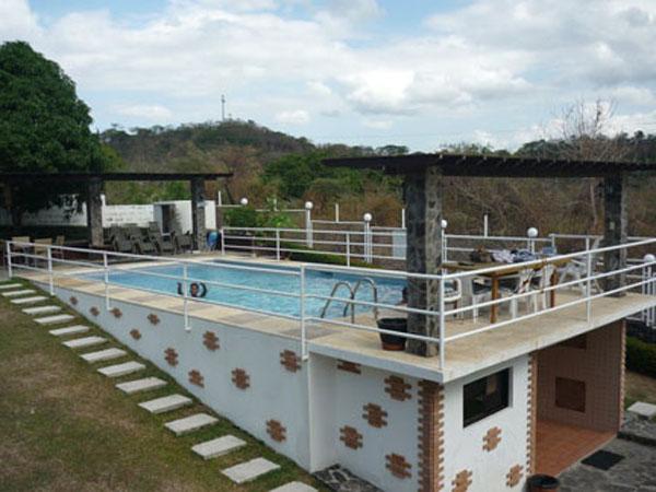 Jo johnny 39 s beach and dive inn tali beach batangas for Beach with swimming pool in batangas
